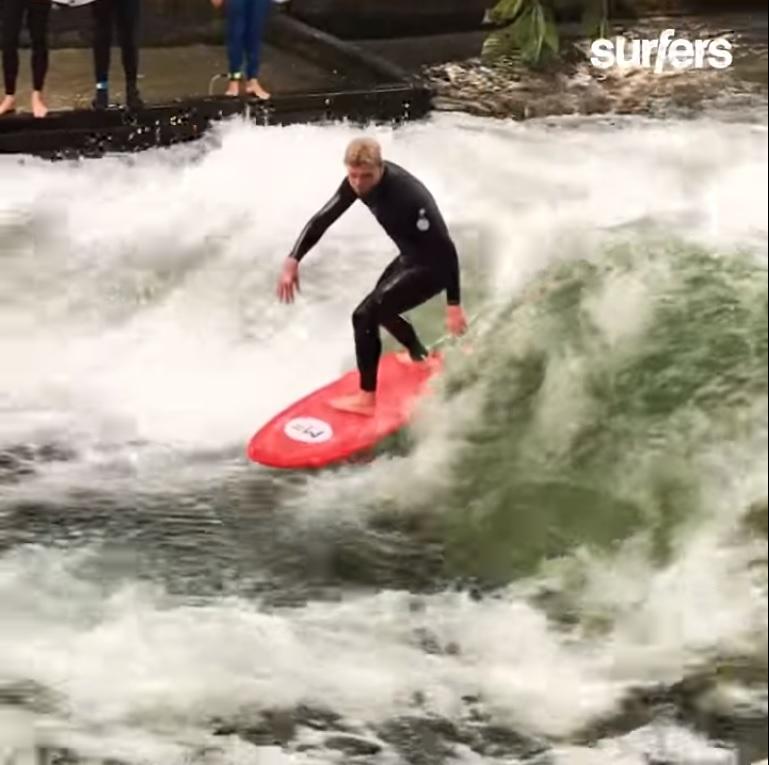 Surf en Munich con Mick Fanning