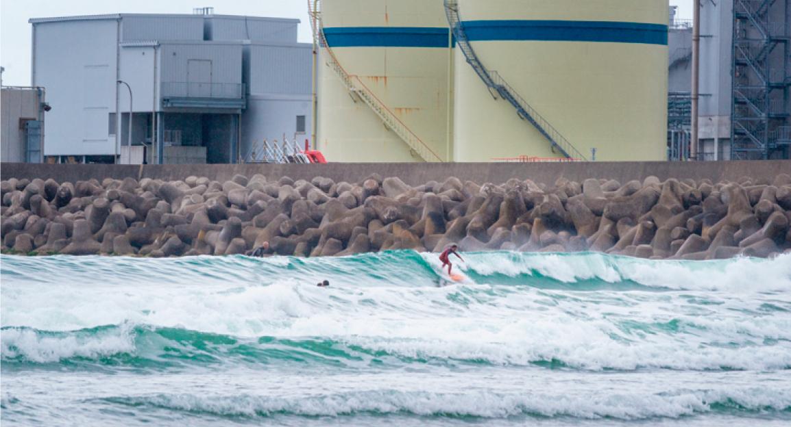 Olas con radiación, el surf en Fukushima