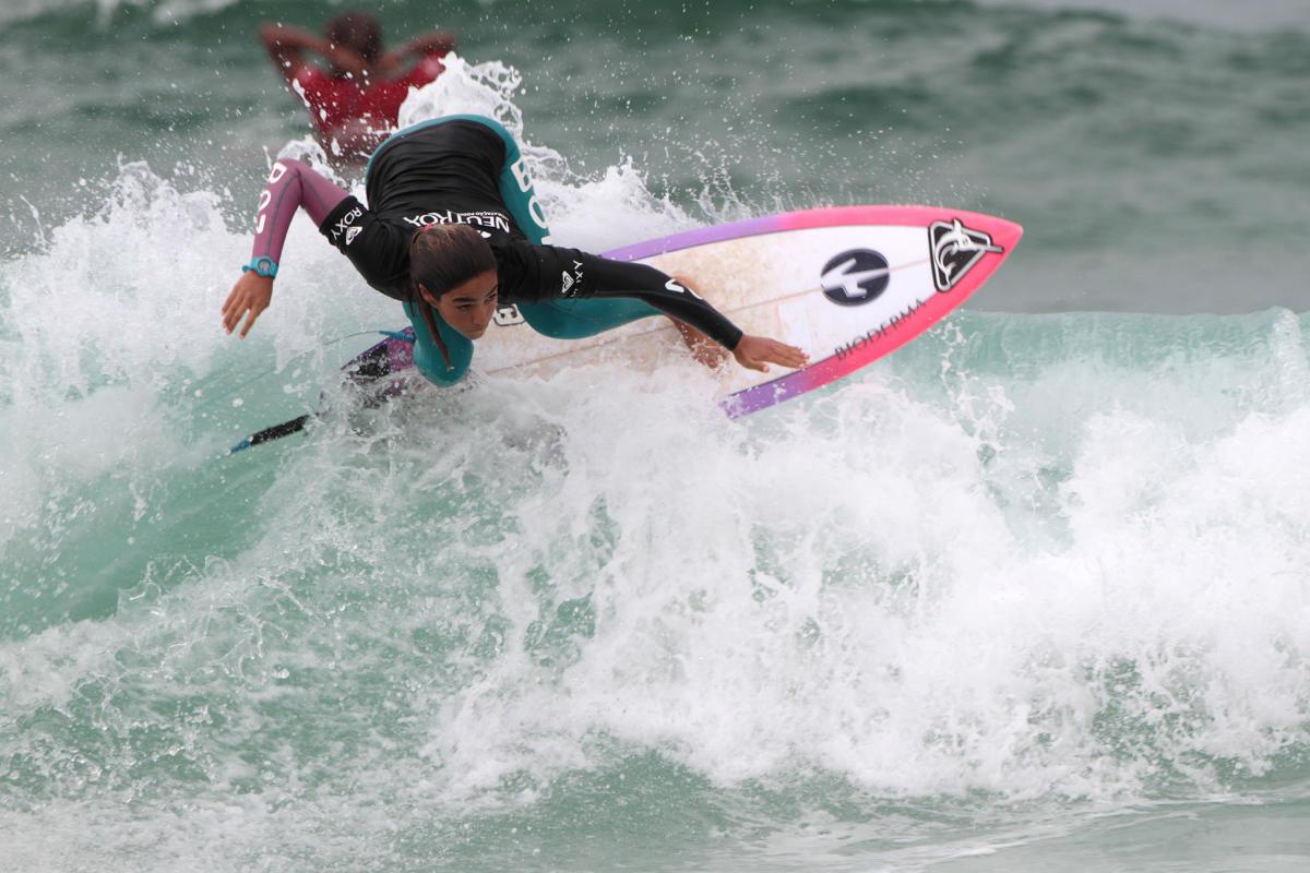 Jhonny Guerrero y Sol Aguirre competirán contra los mejores del surf mundial