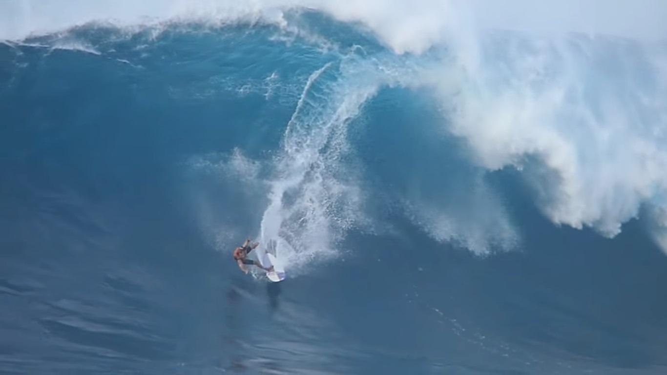 """Big Wave Rider de 40 años nominado a """"wipeout del año"""""""