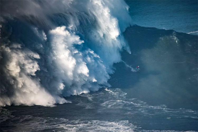 ¿Será esta la primera ola gigante surfeada por una mujer?