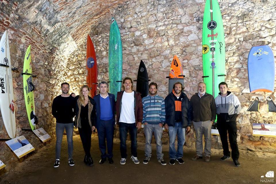 """""""Surfer Wall"""": La pared de los recuerdos en Nazaré"""