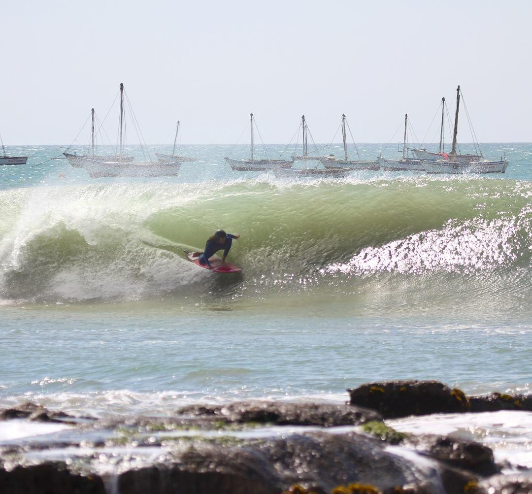 [PORTADA] Sol Aguirre en la máquina de tubos (Cabo Blanco)