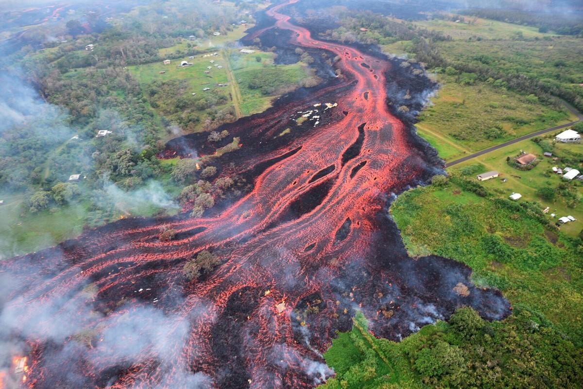 Erupción del volcán Kilauea crea su propio clima en Hawaii