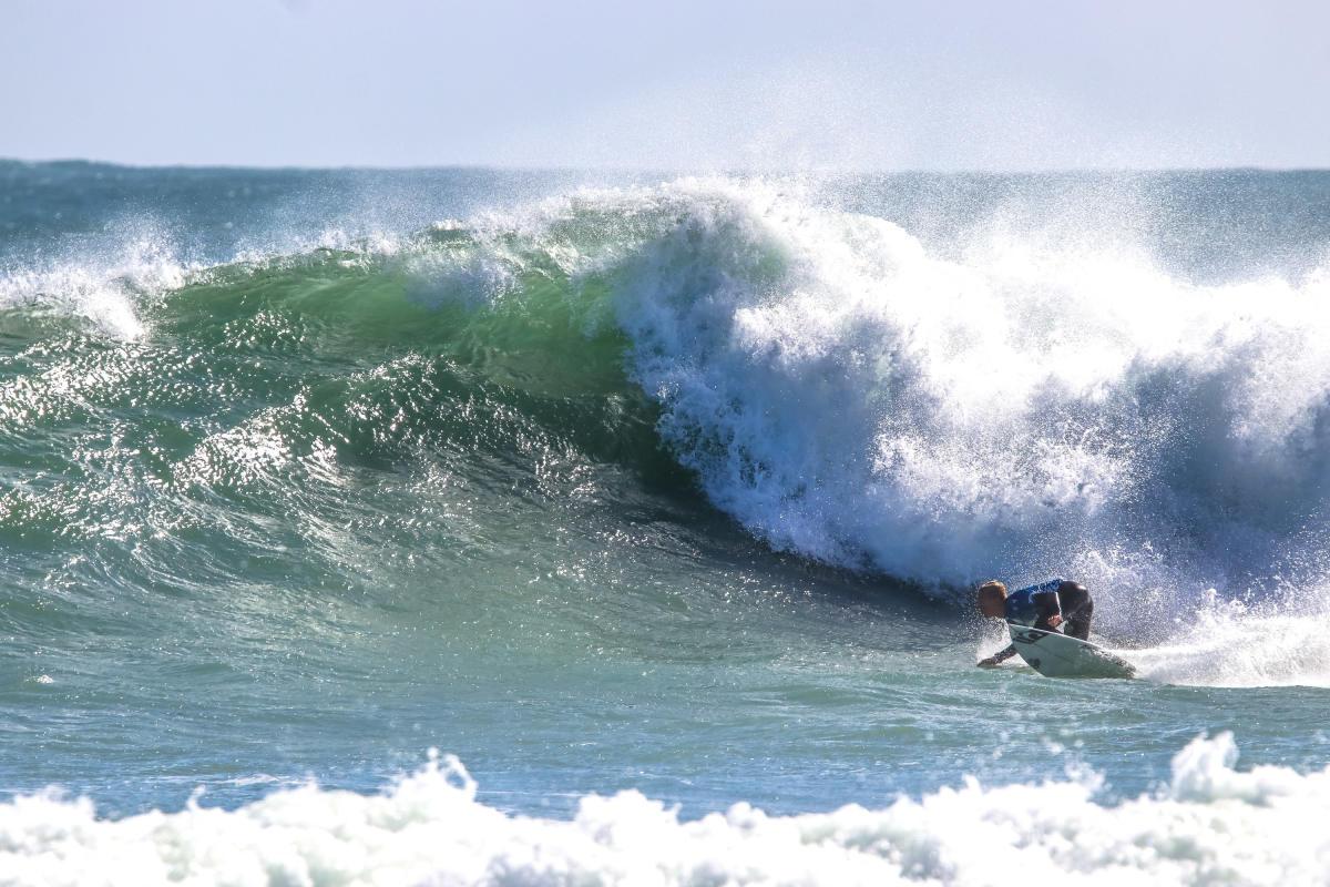 Surfistas prefieren correr frontside