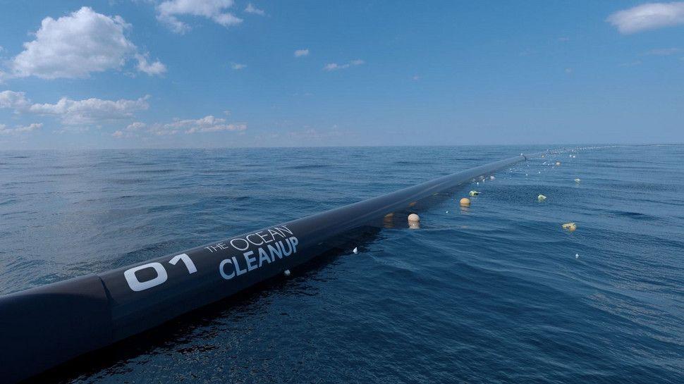 Una gran barrera flotante para limpiar el plástico de los océanos