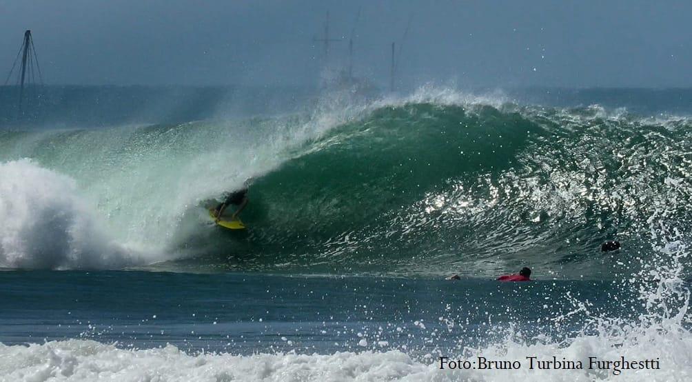 [PORTADA] Max de la Rosa aplicando toda la clase tubera en Cabo Blanco