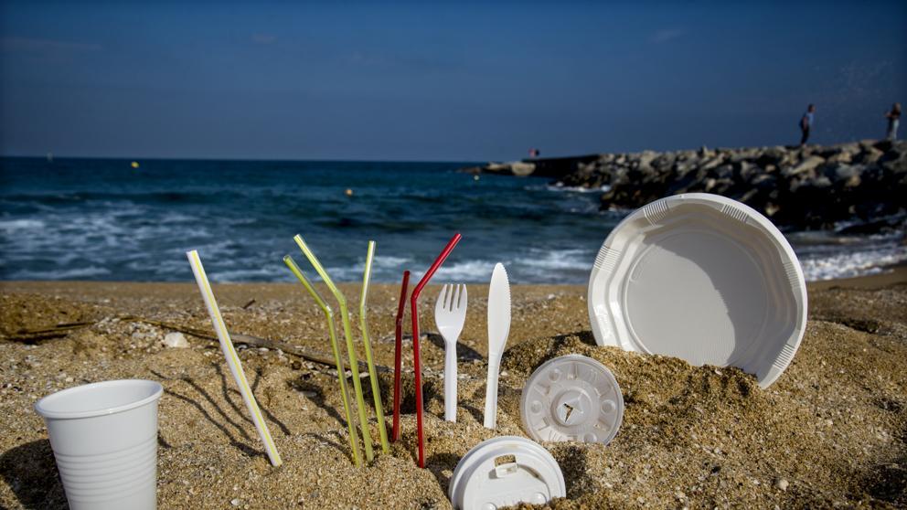 Se aprueba proyecto de ley que regula el plástico de un solo uso