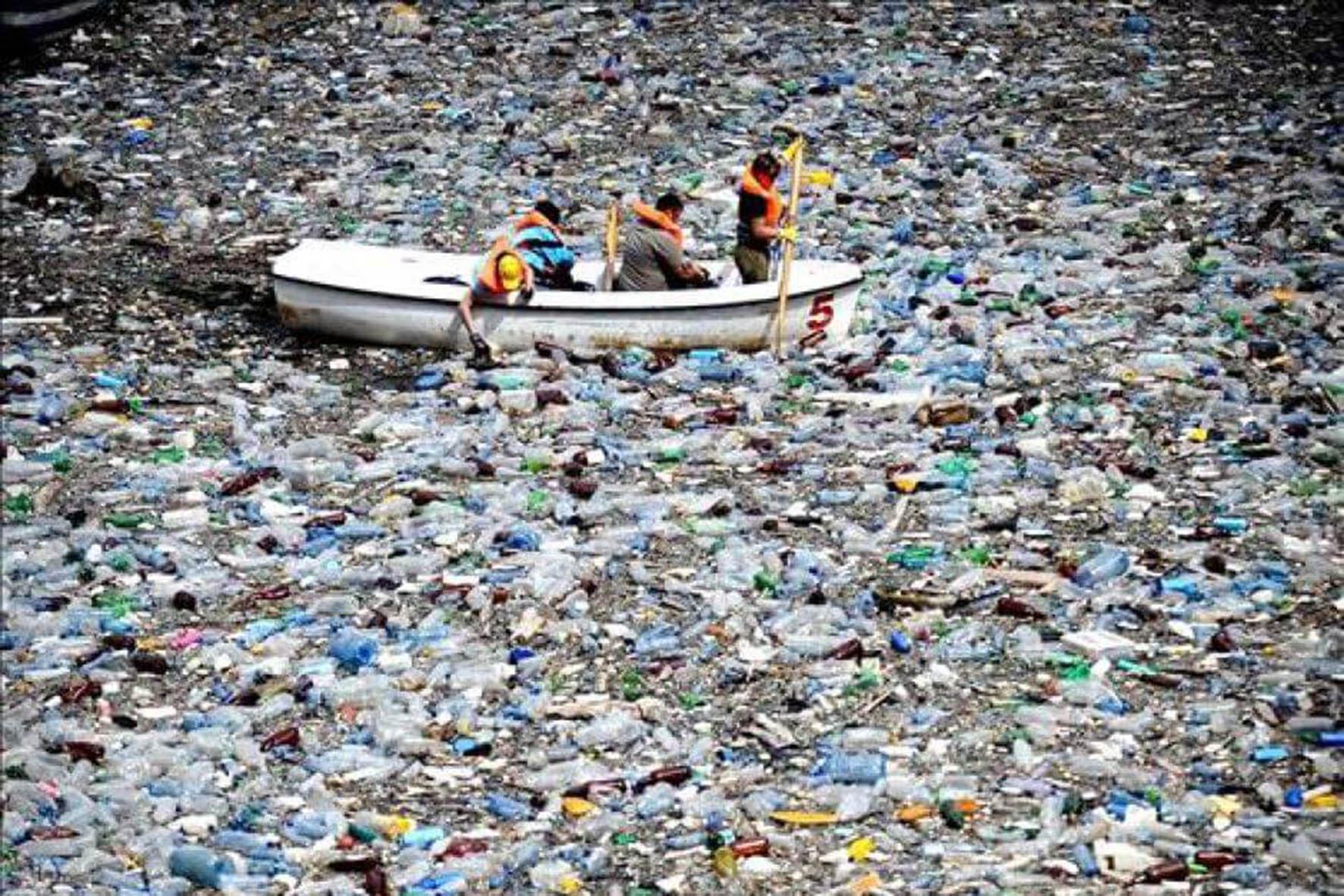 Coca Cola, Pepsi y Nestlé, las principales generadoras de basura plástica en el oceáno