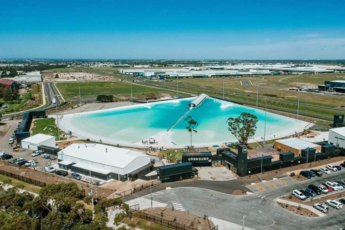 Primer parque de olas de Australia reabrió sus puertas hoy