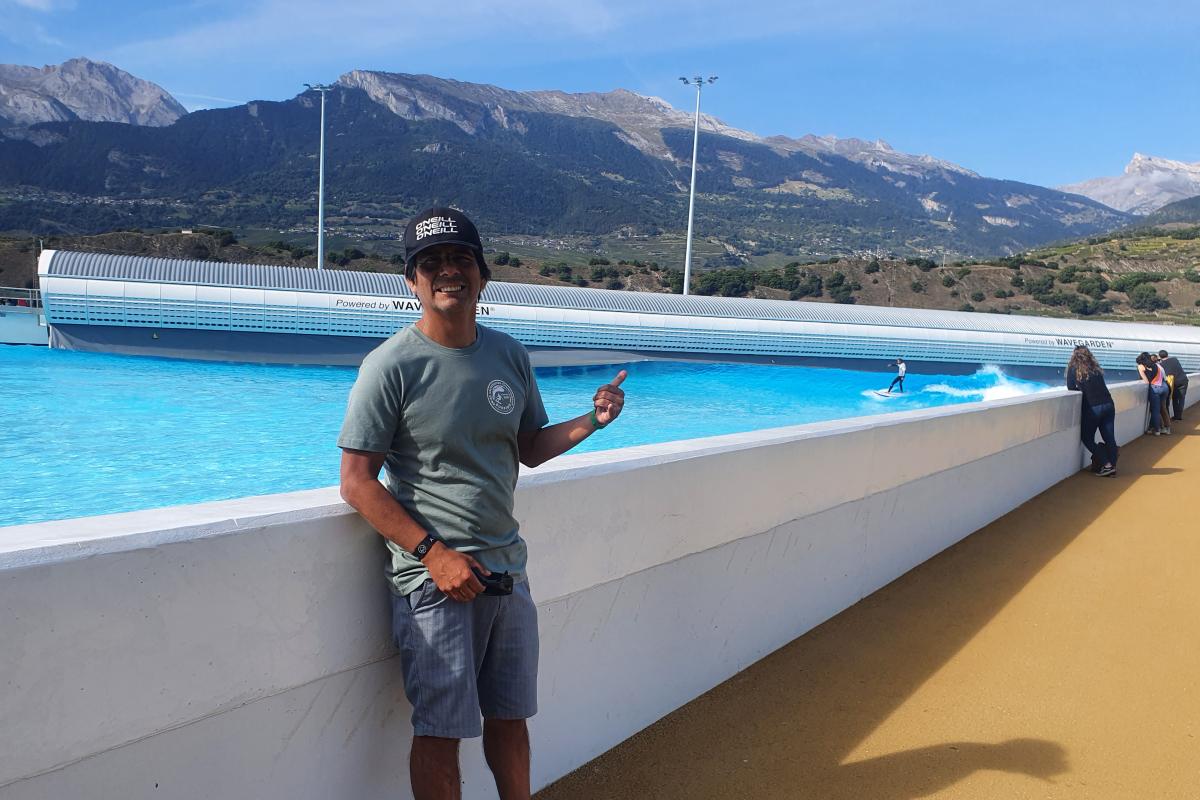 [Peruanos por el mundo] Manuel Mendoza, juez de surf en el Wavegarden de Suiza